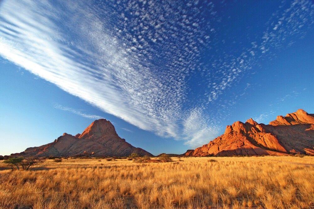 Farbenspiele in der Namib, die älteste Wüste der Welt