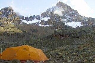 Zelten am Fuße des Mawenzi