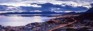 Ushuaia in Abenddämmerung