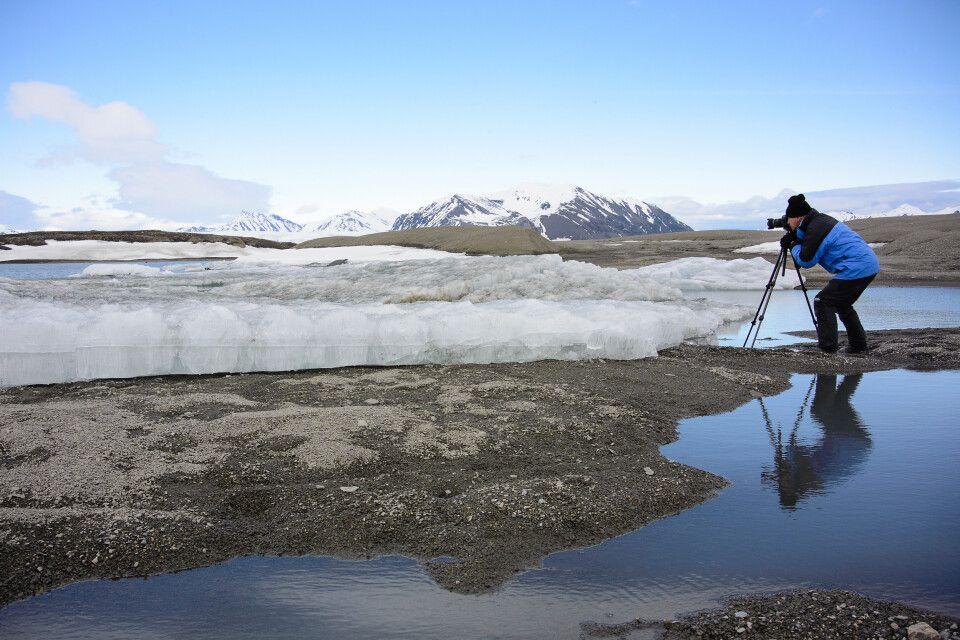 Mittendrin im Foto-Glück: Hier dienen Schneereste und kleine Tümpel als Motive