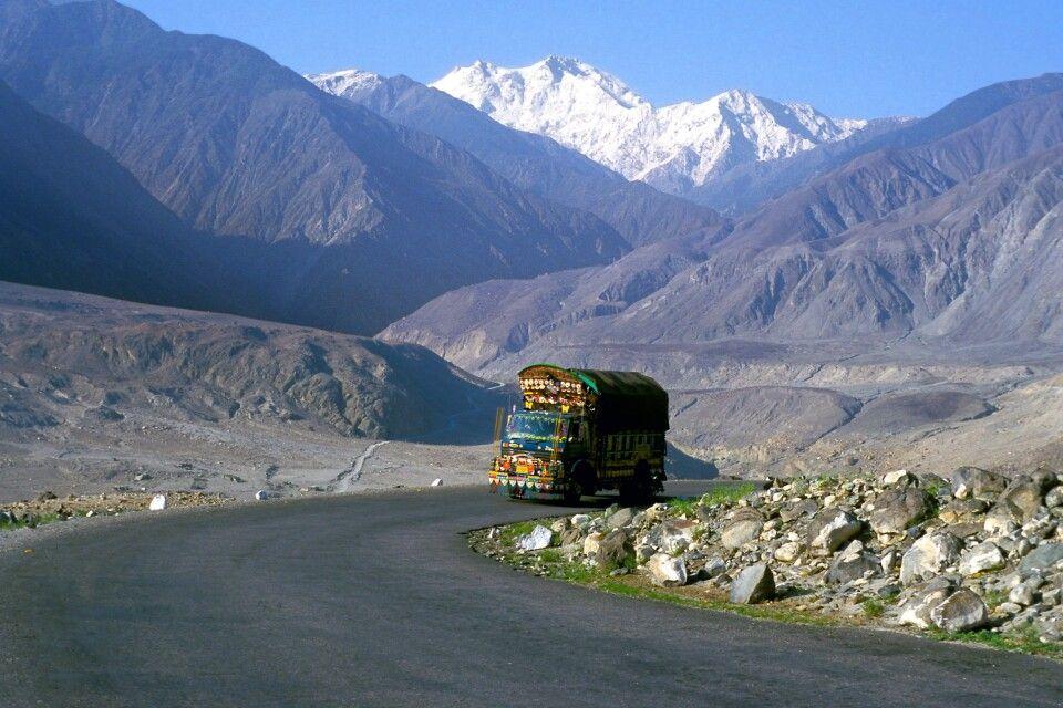 Nanga Parbat (8125m)Pakistan, Himalaya, Karakorum HighwayJuni 2001