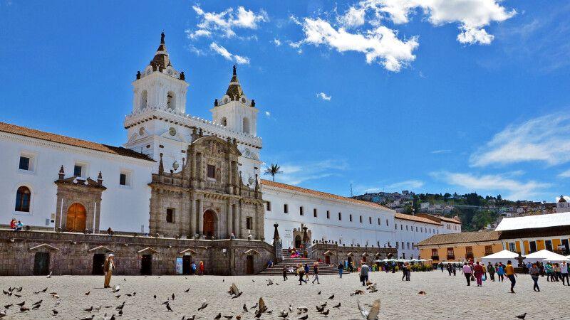 Platz in Quito © Diamir