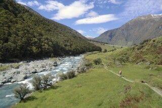 Wanderweg entlang des Matukituki Valley beim Rob Roy Gletscher