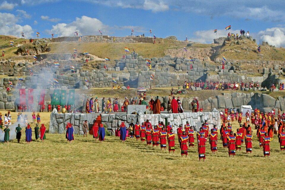 Das Fest Inti Raymi bei Sacsayhuaman