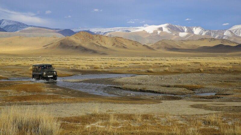 Traumhafte Landschaft auf dem Weg zum Golden Eagle Festival © Diamir
