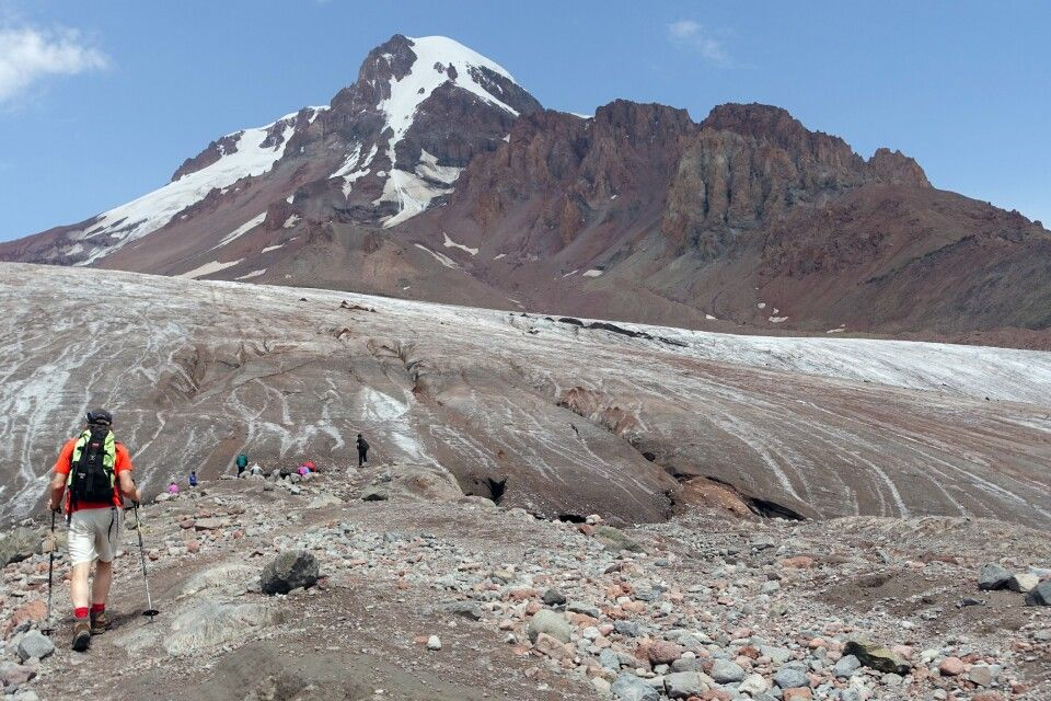 Kasbek - Aufstieg zur Betlemi-Hütte über Gletscher