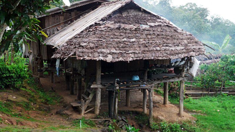 Hütte auf dem Weg beim Trek in Nordthailand © Diamir