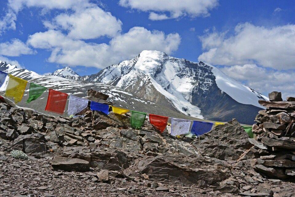 Blick vom Kongmaru La (5130m) auf Kang Yatze II I )(6400m) und II (6190m)