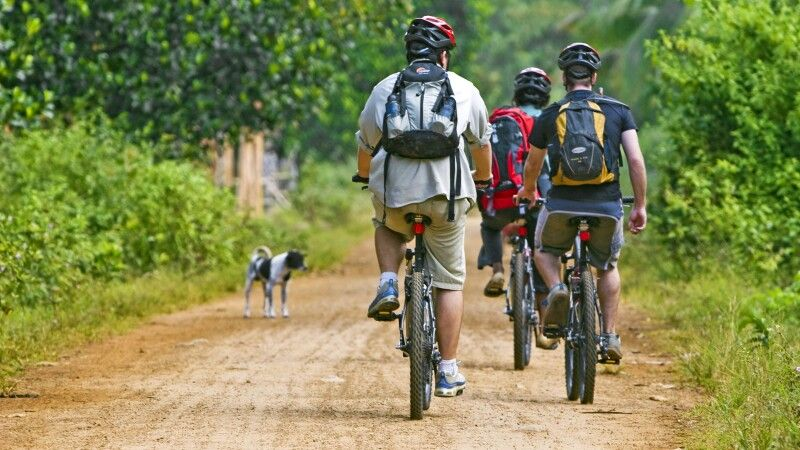 Radfahren in Chi Phat © Diamir