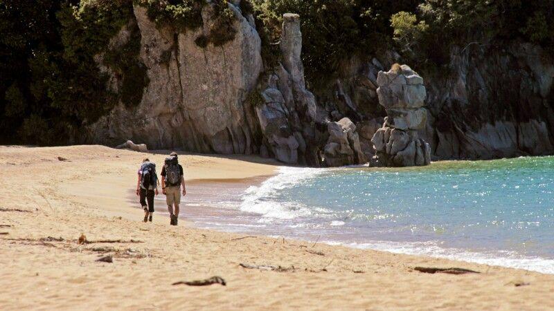 Einer der beliebtesten Trekks in Neuseeland – der Abel Tasman Coastal Track. © Diamir