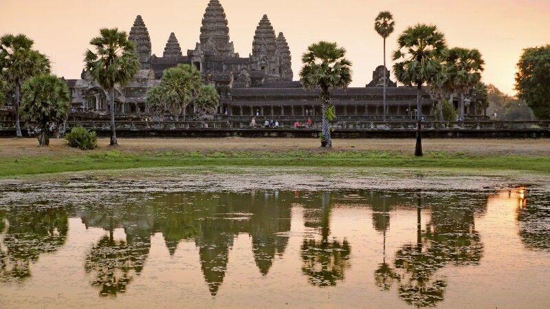 Sonnenaufgang vor dem Haupttempel von Angkor Wat © Diamir
