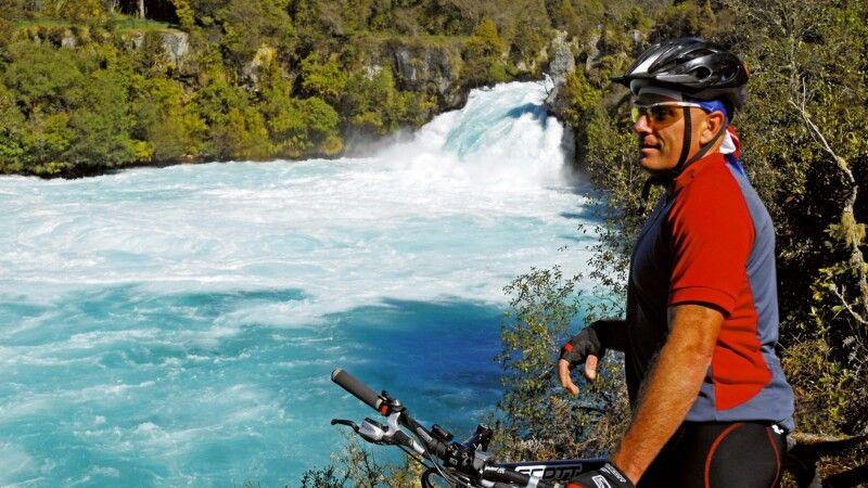Lake Taupo Huka Falls © Diamir