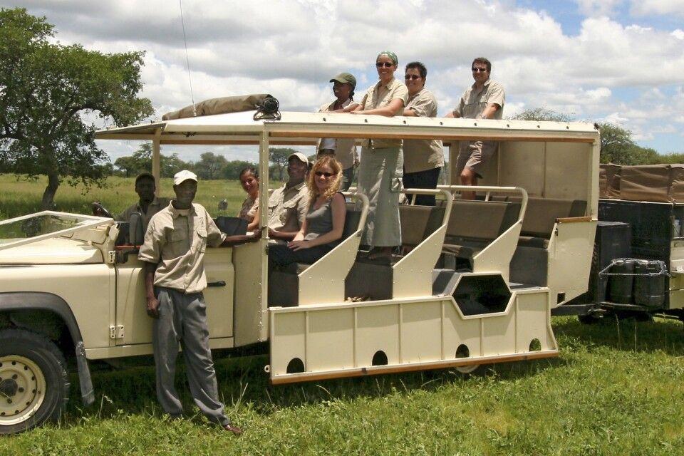 Geländegängiges Safarifahrzeug