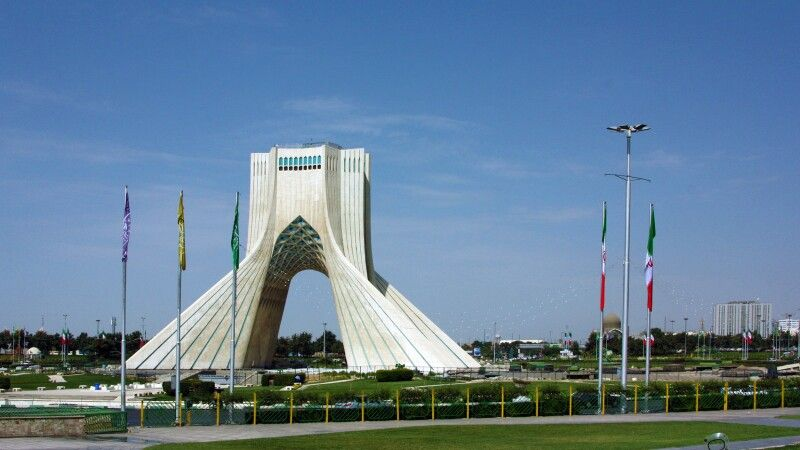 Asadi-Freiheitsturm, Teheran © Diamir