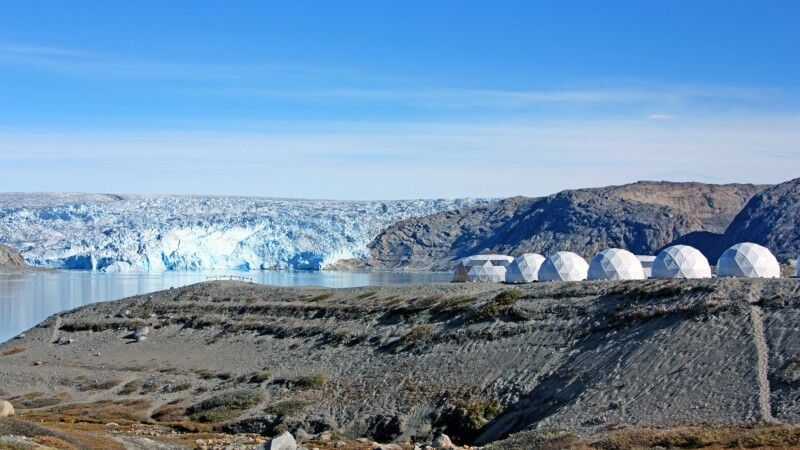 Gletschercamp mit Inlandeis im Hintergrund © Diamir