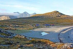 Camp am Strand auf Uunartoq