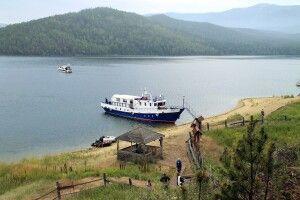 Ausflugsschiff ALTAI