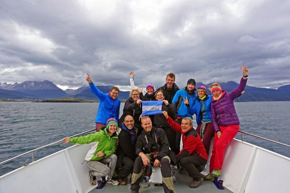 Gruppenfoto während der Schifffahrt auf dem Beagle-Kanal