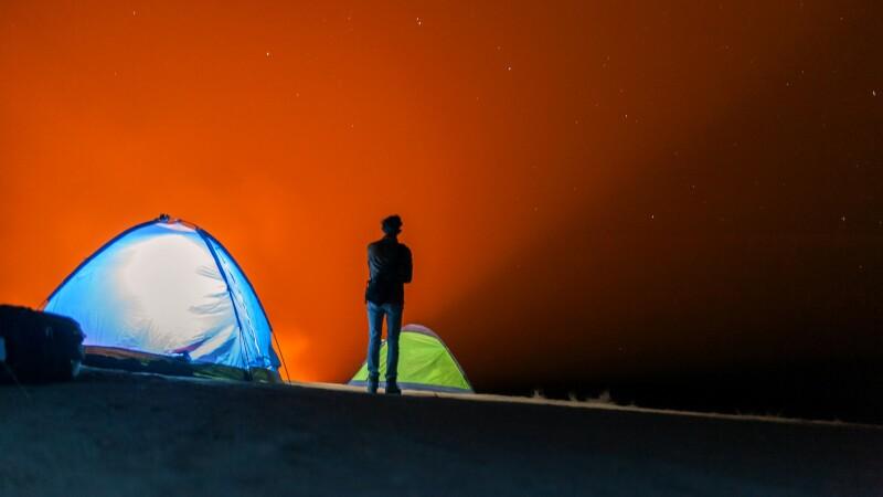 Lichtphänomen in der Wüste © Diamir