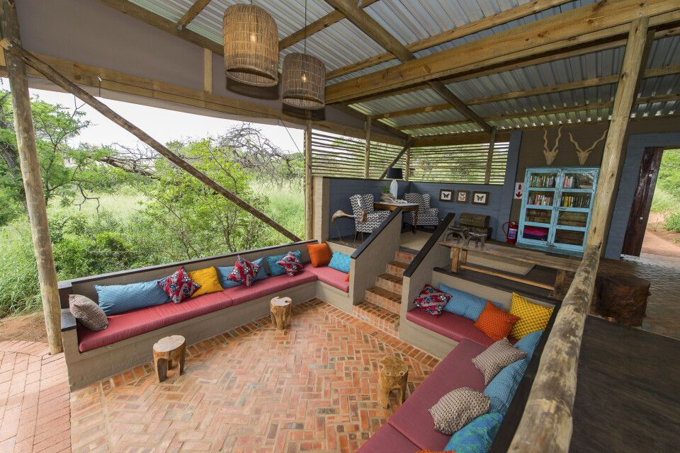 Lounge und Hauptbereich von der Zululand Lodge