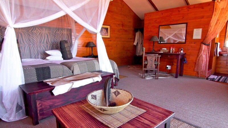 Bagatelle Kalahari Game Ranch Zimmer © Diamir
