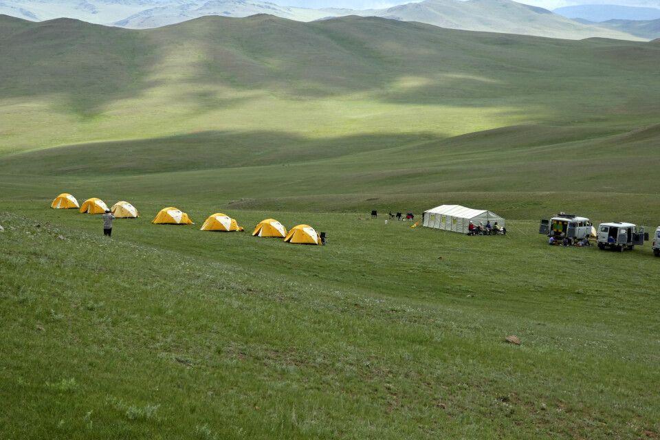 Camp inmitten der Steppe