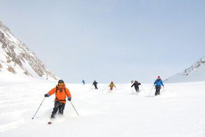 Abfahrtsvergnügen auf einem namenlosen Gletscher in Westgrönland.