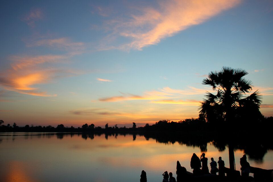 Sonnenaufgang über dem Wasserspeicherbecken Sra Srang
