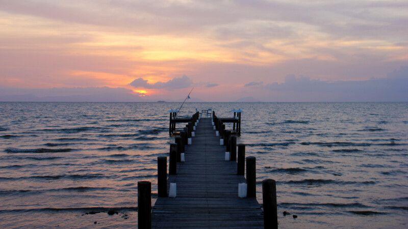 Pier an der Küste Kambodschas © Diamir