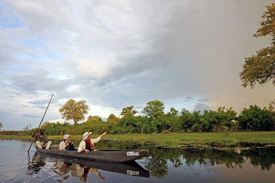 Unterwegs im Mokoro