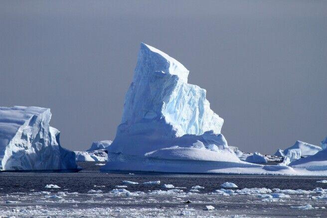 Gigantischer Eisberg
