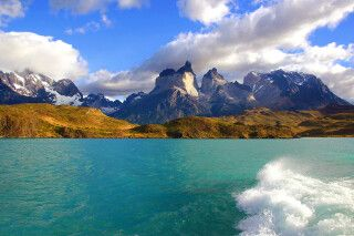 Katamaranfahrt über den Lago Pehoe im Nationalpark Torres del Paine