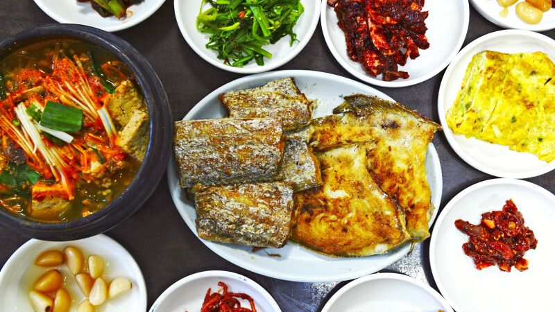 traditionelles Saengseongui (gegrillter Fisch) © Diamir
