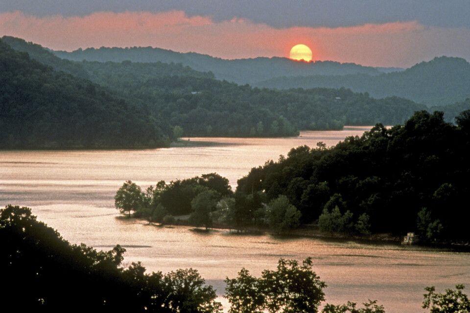 Sonnenuntergang am Center Hill Lake, Tennessee