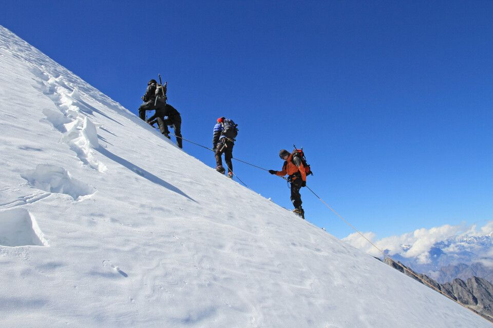 Besteigung des Yalung Ri (5630 m)