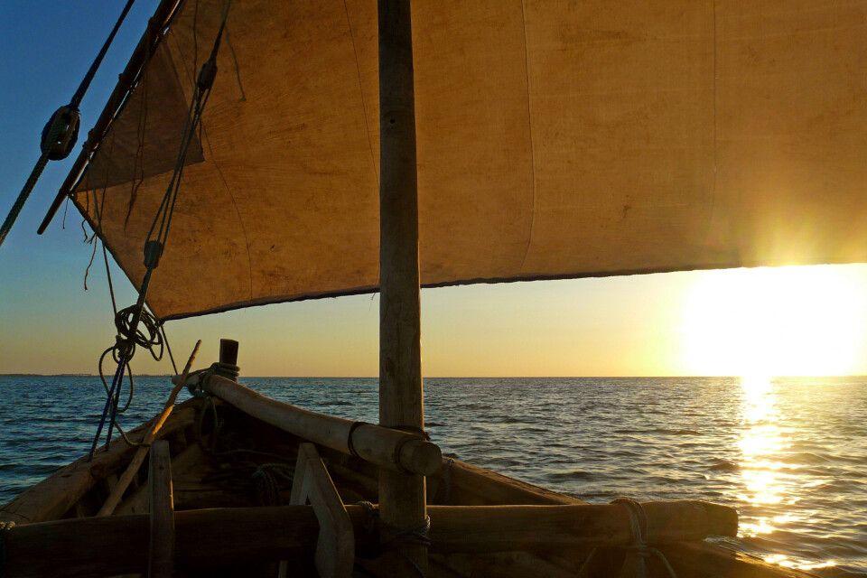 Segeln mit einer Dhau vor Mafia Island