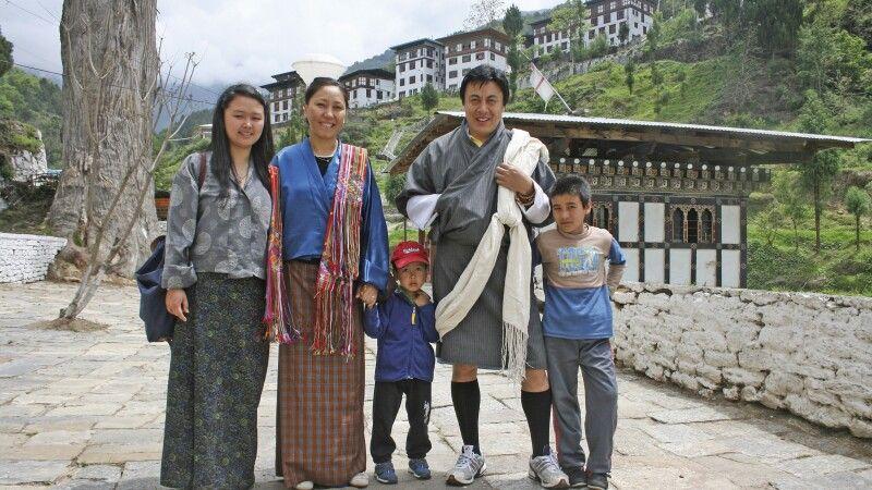 Familie in Trongsa © Diamir