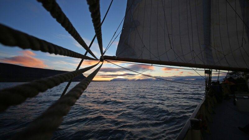 Abendstimmung an Bord der Noorderlicht © Diamir