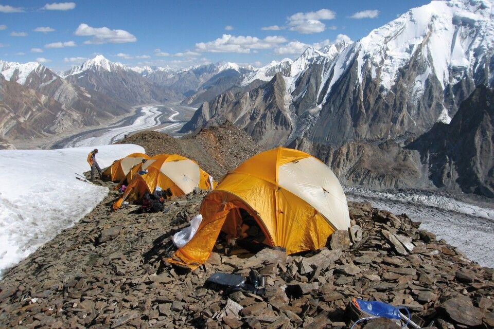 Blick auf das Zeltlager.