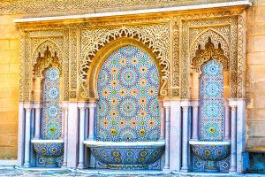 Marokkanisches Mosaik an einem Sprungbrunnen in Rabat