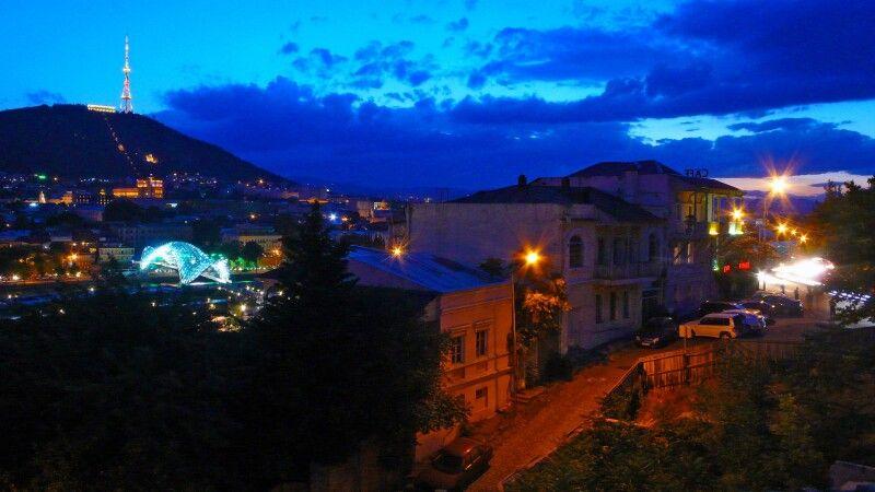 Tiflis bei Nacht © Diamir